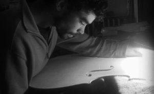 luthier-milos-seyda-01bn